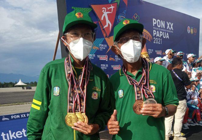 Benny dan Erick Limanhadi, bapak dan anak yang menjadi andalan tim Aeromodeling Jatim di PON XX Papua.