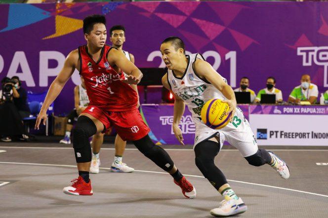 Tim basket 3x3 putra Jatim merebut perunggu setelah mengalahkan Jateng, Kamis (14/10).