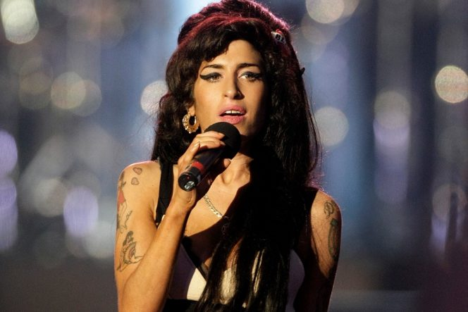 Mendiang Amy Winehouse