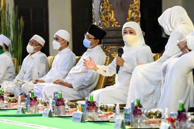 Gubernur Khofifah mengatakan bahwa Jawa Timur Bersholawat ini menjadi bentuk keberseiringan antara aspek mental - spiritual dengan kerja profesional - institusional. Yaitu sebagai wujud syukur yang mendalam atas karunia yang Allah SWT berikan kepada seluruh warga di Provinsi Jatim di Peringatan Hari Jadi ke-76.