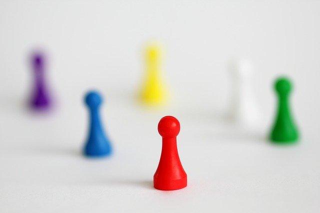 Ilustrasi kepemimpinan dalam bidak.
